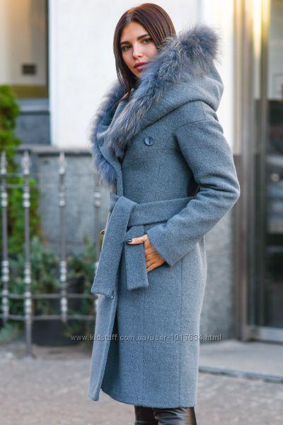 Теплое удлиненное пальто зимнее натуральный мех цвета р. 42