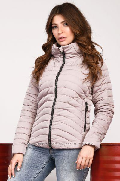 Стильная короткая деми куртка цвета р. 42-44