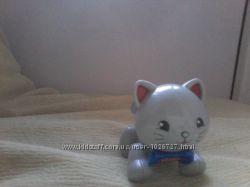 Фирменная игрушка фигурка трещетка Tolo котенок