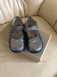 Святкові туфельки Naturino 25 р