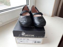 Продам новые туфельки geox respira 29 р-ра