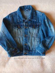 Продам джинсовый пиджак на мальчика 3-4-5 лет