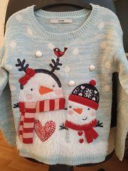 Новогодний свитер с объемными деталями для девочки 4-5 лет