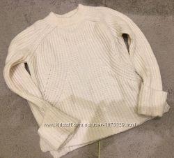 Тёплый свитер ZARA молочного цвета, размер М, подойдёт и на S
