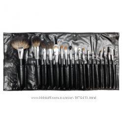 Набор кистей для макияжа MORPHE SET 681 - 18 piece brush set