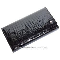 Женский кожаный кошелек лаковый f. leather collection al-ae46 black черный