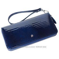 Женский кожаный кошелек лаковый f. leather collection al-ae38-1 синий
