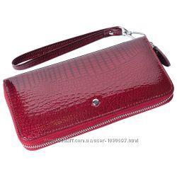 Женский кожаный кошелек лаковый f. leather collection al-ae38-1 бордовый