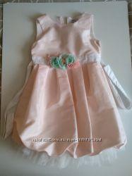 Платье нарядное на 6-7 лет