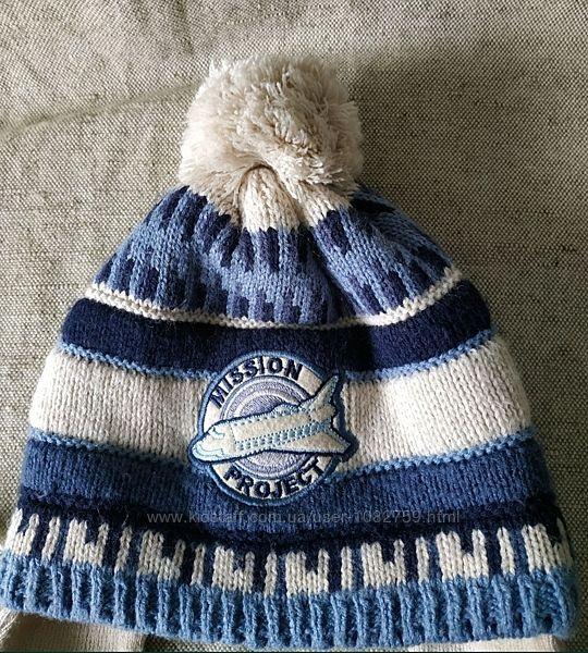 Зимняя теплая шапка шерсть акрил на флисе. Польша.