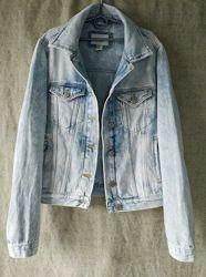 Классическая джинсовая куртка варенка джинсовка  Forever 21.