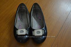 Туфли для девочки в хорошем состоянии