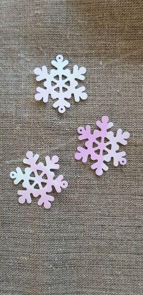 Снежинки фетровые и пластиковые