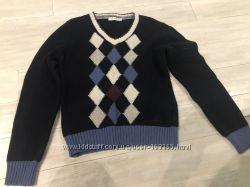 Продам свитер р. 122-128