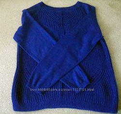 Классный свитер очень красивого цвета