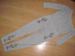 Моднячий комбінезон Missquided з вишивкою, спадає на одне плече. 10 розм