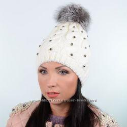 Зимняя шапка с меховым помпоном в разных цветах и размере 54-58