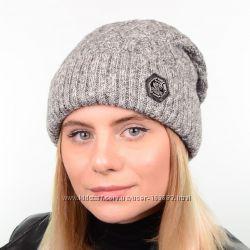 Вязаная женская шапка в размере 55-58, цвета разные