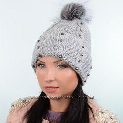 Зимняя шапка с меховым помпоном и отворотом, цвета разные