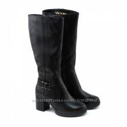 Сапоги зимние кожаные на среднем каблуке, черные, 620-02