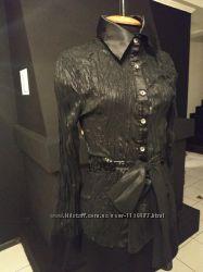 Черная нарядная блуза ткань типа жатки п-во Италия
