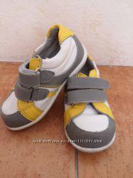 Продам детские кроссовки для мальчика 23р