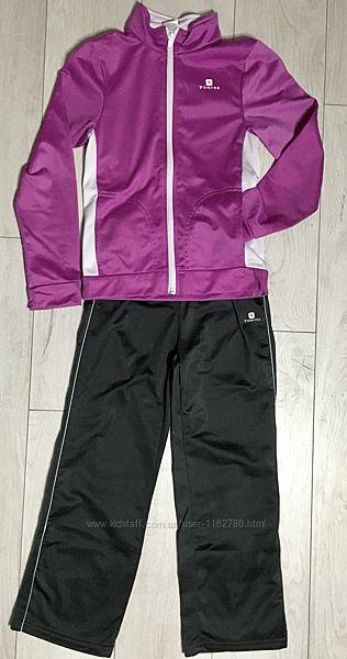Спортивный костюм Dekathlon на 6 лет.