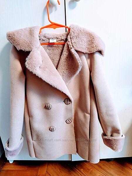 Лёгкая мягкая курточка Suzie 134 размер