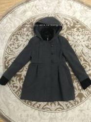 Пальто для девочки DKNY р . s 5-6 оригинал
