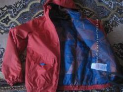 Двухсторонняя демисезонная куртка Quechua на 10 лет, рост 140 см