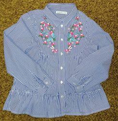 Продам очень красивую рубашку для маленькой модницы на рост 122см.