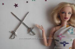 Корона, ножи и мечи