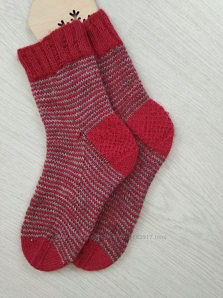 Носки женские красные вязаные, пряжа drops