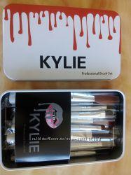 Набор кистей для макияжа Kylie 12шт, мелки для волос, тени