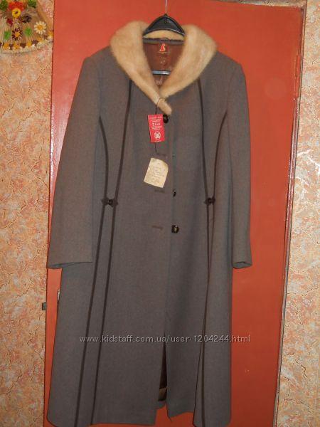 новое пальто зимнее 48-50р