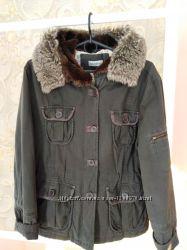темно-серая куртка с капюшоном Clockhouse