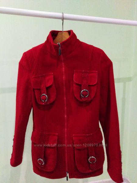 Короткое пальто-куртка FORUM на замок разм. 44
