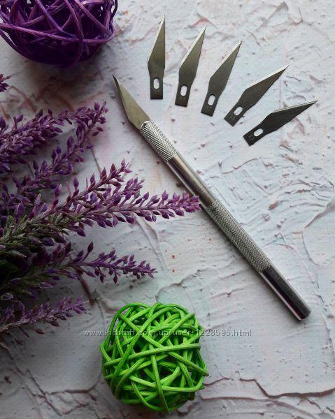 Нож макетный   5 сменных лезвий