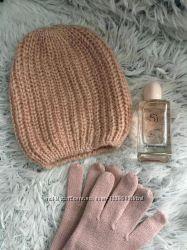 Пудровая с рюлексом шапка