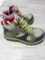 Ботинки Quechua 35р деми-сезон