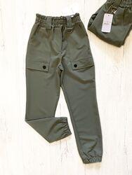 Демисезонные брюки для девочки