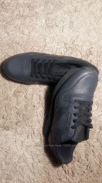 Распродажа Мужские кроссовки Reebok Classic
