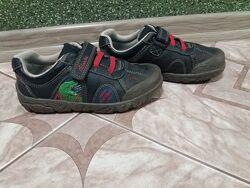 Фірмові кросовки Clarks