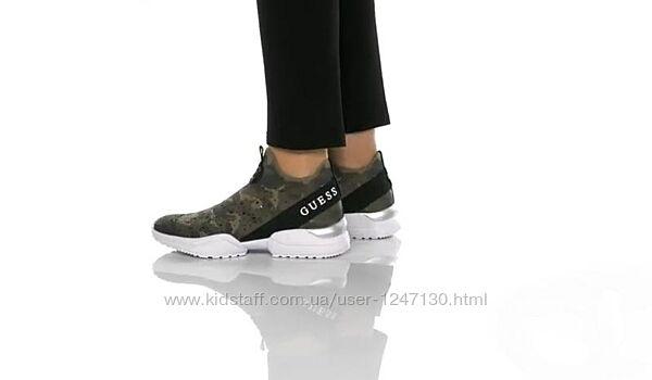 Текстильные кроссовки бренд Guess размер  8