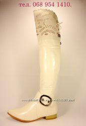 Женские демисезонные белые сапоги ботфорты на устойчивом каблуке. 36-41.