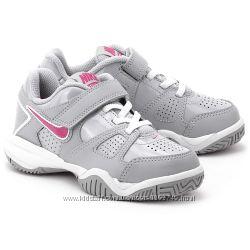 Кроссовки Nike  размер 33