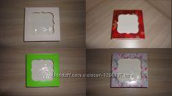 Коробка 12на12на3 см на выбор с фигурным окном цветная