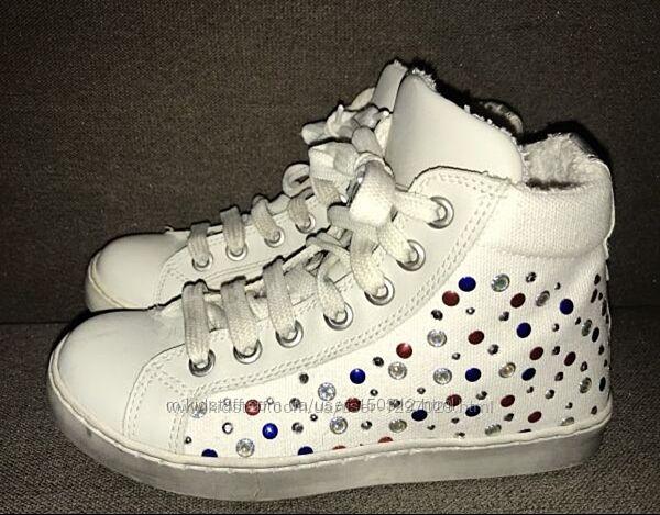 Белые ботинки-кеды для девочки Melania Kids с камнями 30р