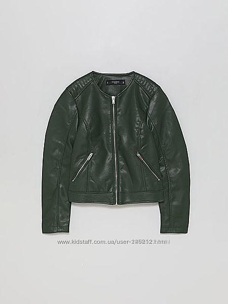 Кожаная куртка косуха зелёная  Lefties