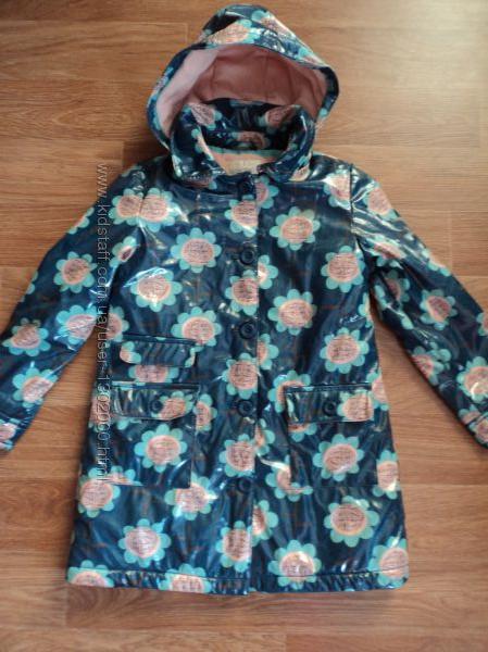 Пальто M&S тепленное и непромокаемое 6-7 лет